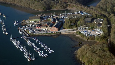 Noss on Dart marina Premier