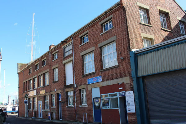 Units to let at Endeavour Quay Boatyard, Gosport Marina