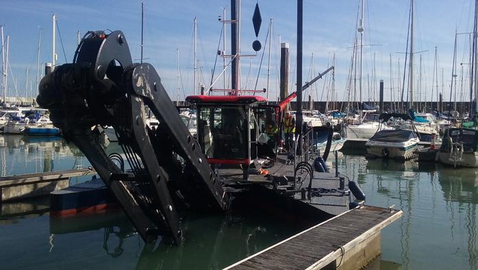 Brighton Marina Dredger