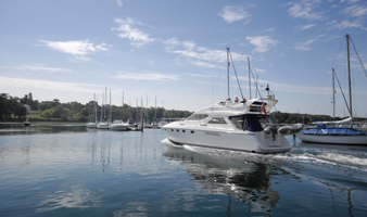 Visitor berths on The Hamble view of motor cruiser visiting Swanwick Marina